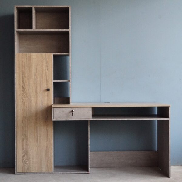 โต๊ะทำงานพร้อมชั้นวางของ รูปตัว I สไตล์ Loft