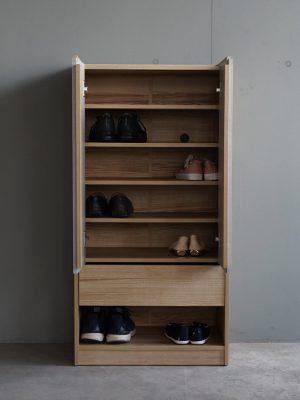 ตู้รองเท้าพร้อมช่องสอดรองเท้า